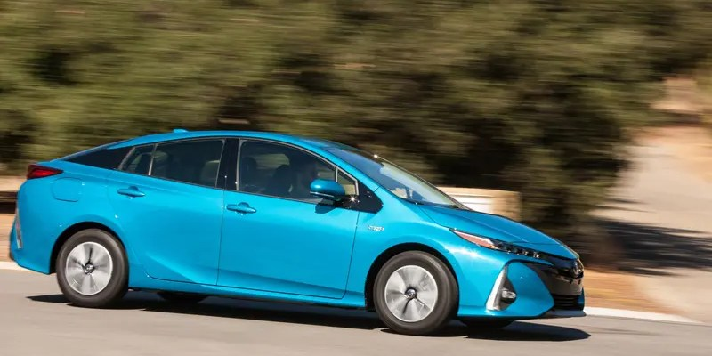 Ready for Prime Time? A Look at the 2017 Toyota Prius Prime