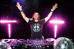 David Guetta turntables