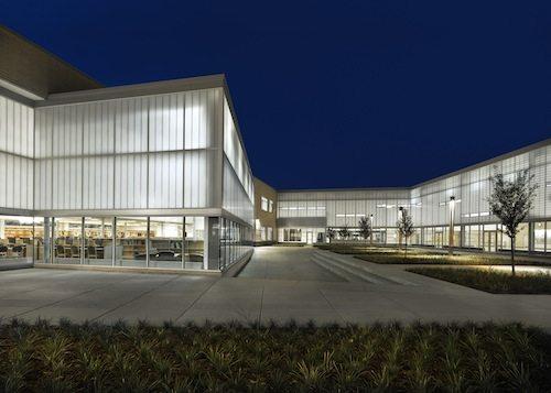 20. Metea Valley High School GÇô Illinois, USA