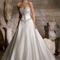 Basque, Empire, Dropped, Natural and other wedding dress Waistlines