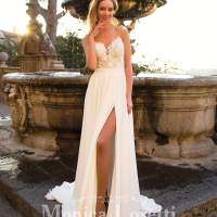 Sensual and glamorous wedding dresses for the sexy bride