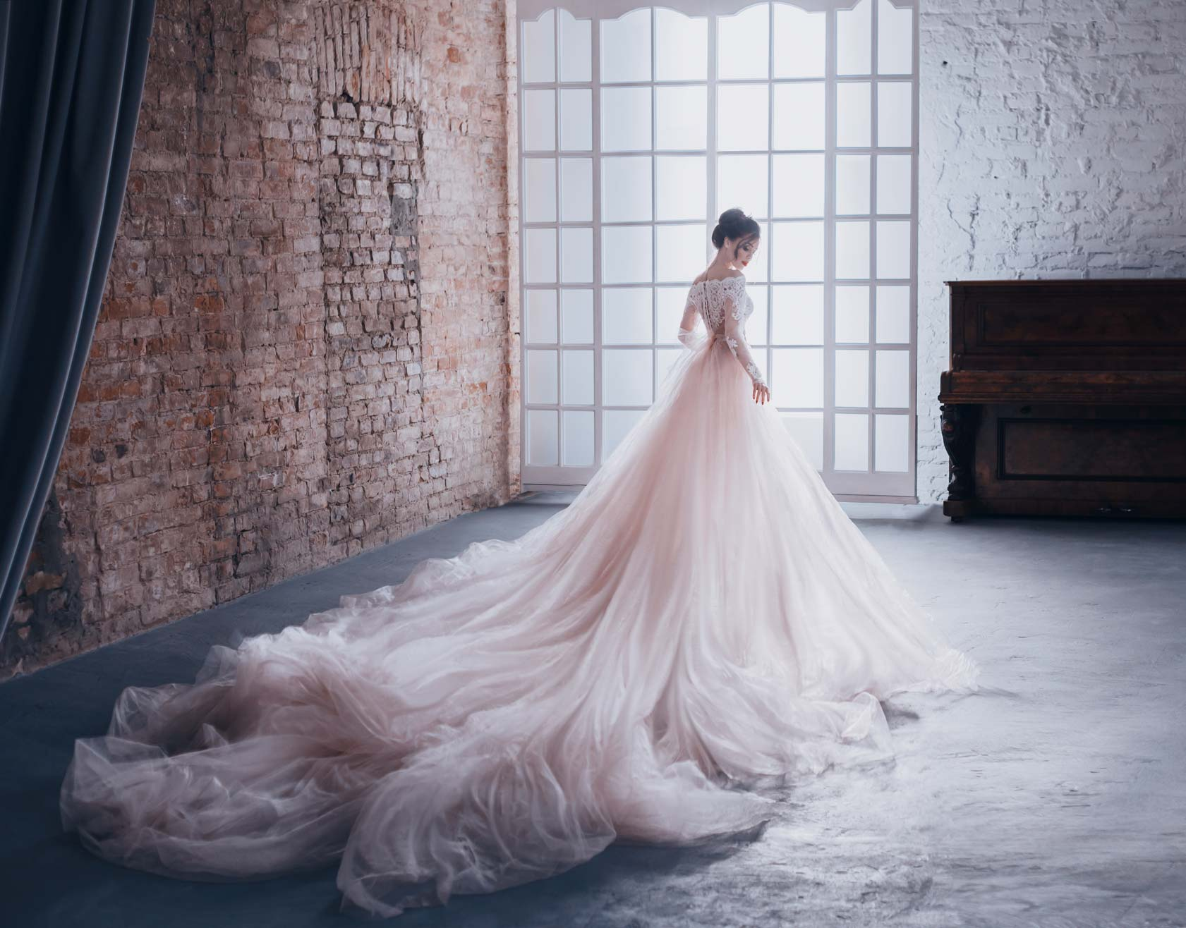 Perfect Pairings How To Match Bouquets To Wedding Dress Styles