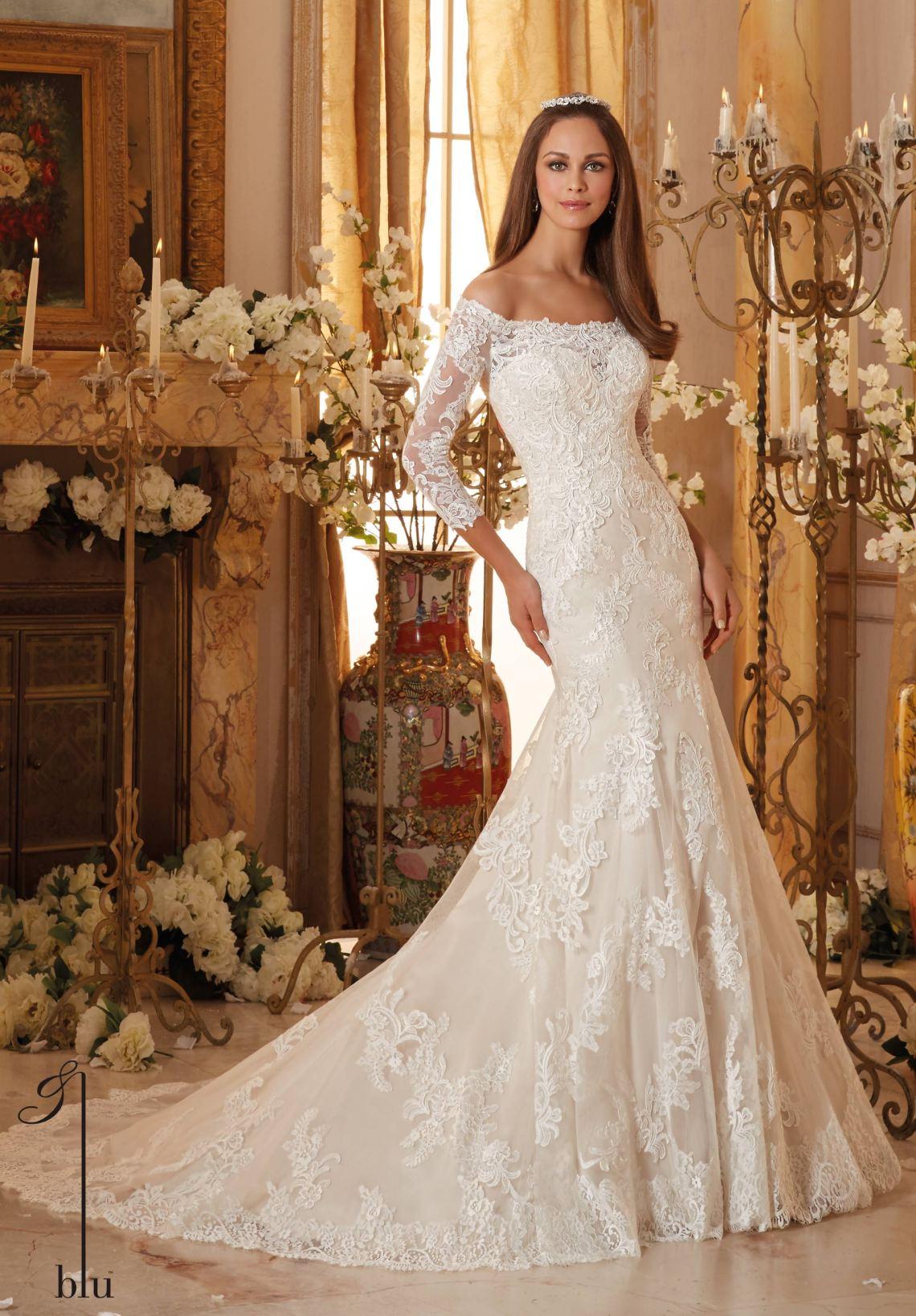 10 Popular Wedding Dress Styles for Getting Married in Vegas