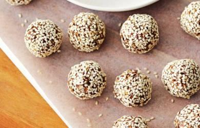 sesame and honey balls