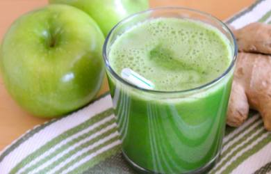 Clean Your Body Toxins - Apple and Ginger Juice