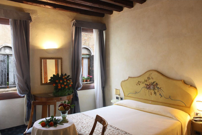 Guest room of the Hotel ai due Fanali, Venice Italy