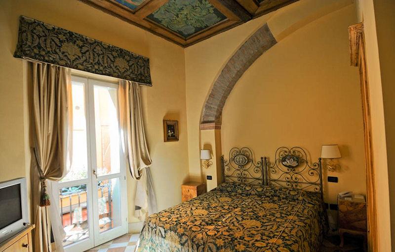 Hotel delle Drapperie, Bologna Italy