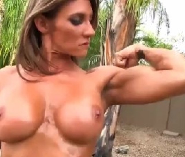Sexy Strong Women Flexing Their Naked Bodies For You