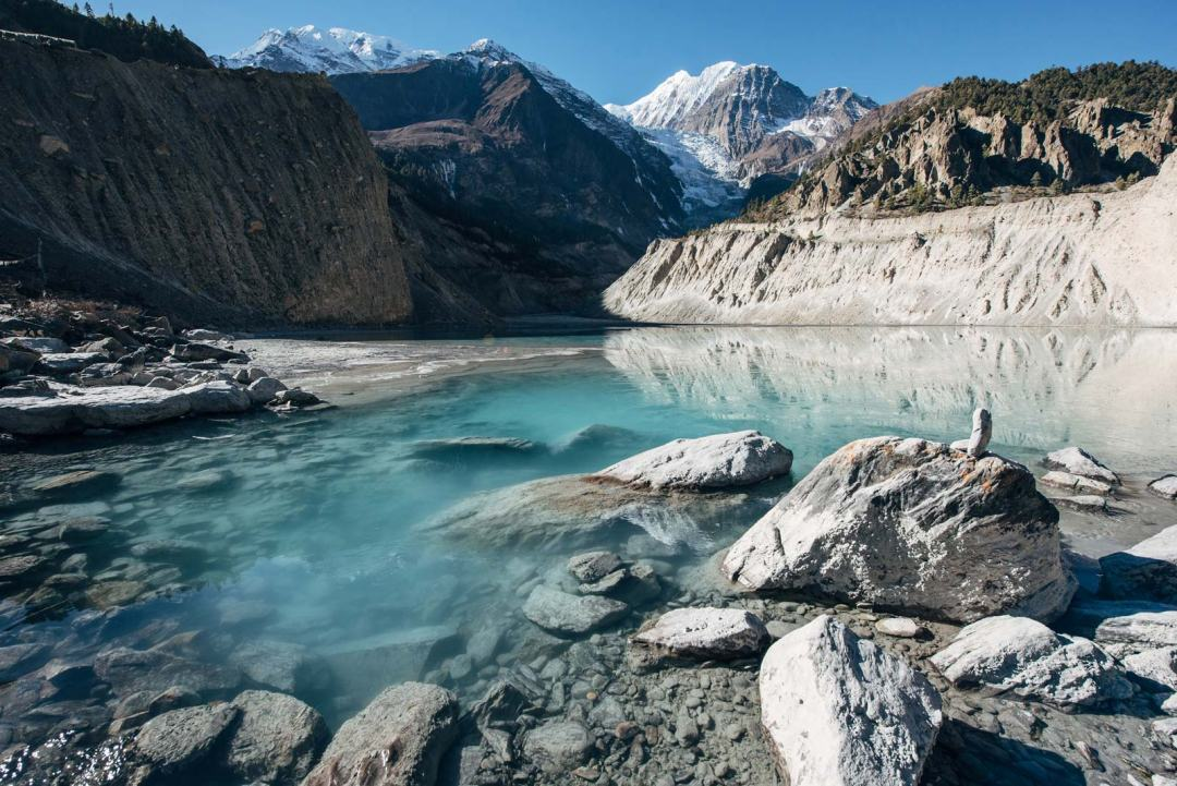 lac sur le trek des annapurnas