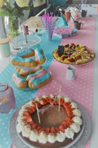 gender reveal taartenbuffet