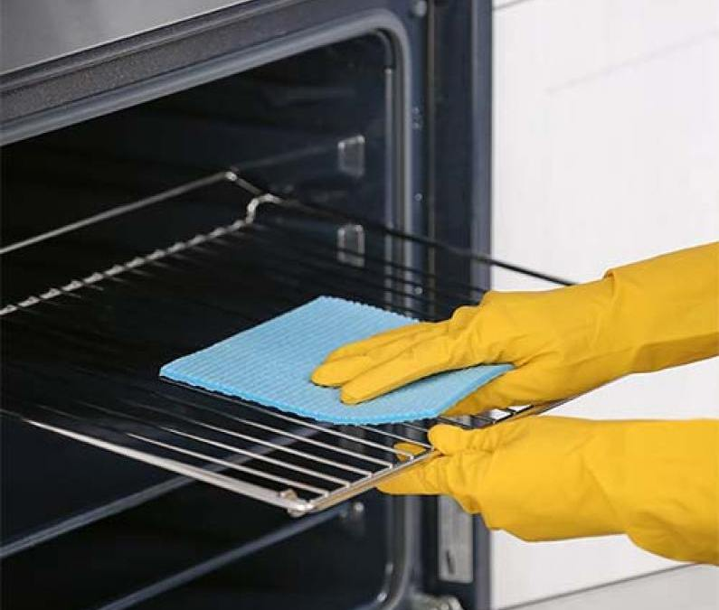 How to Clean Your Oven Racks: 5 Methods You Should Know