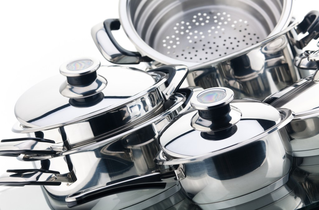 8 Tricks for Cleaning Pots and Pans
