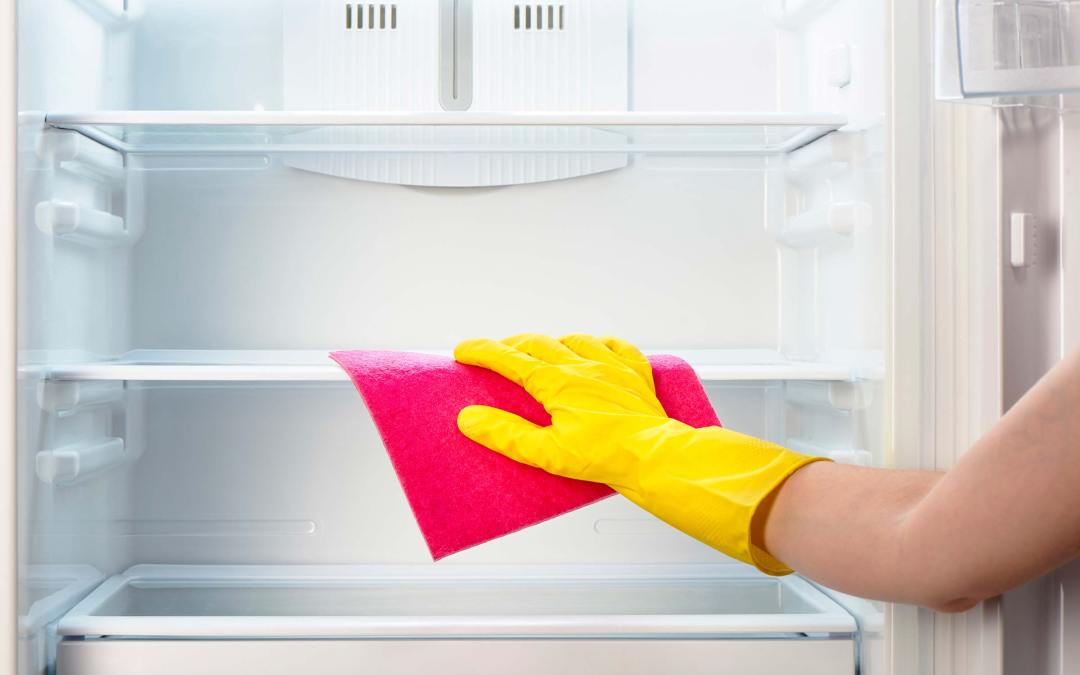 9 Tricks to Cleaning Your Fridge