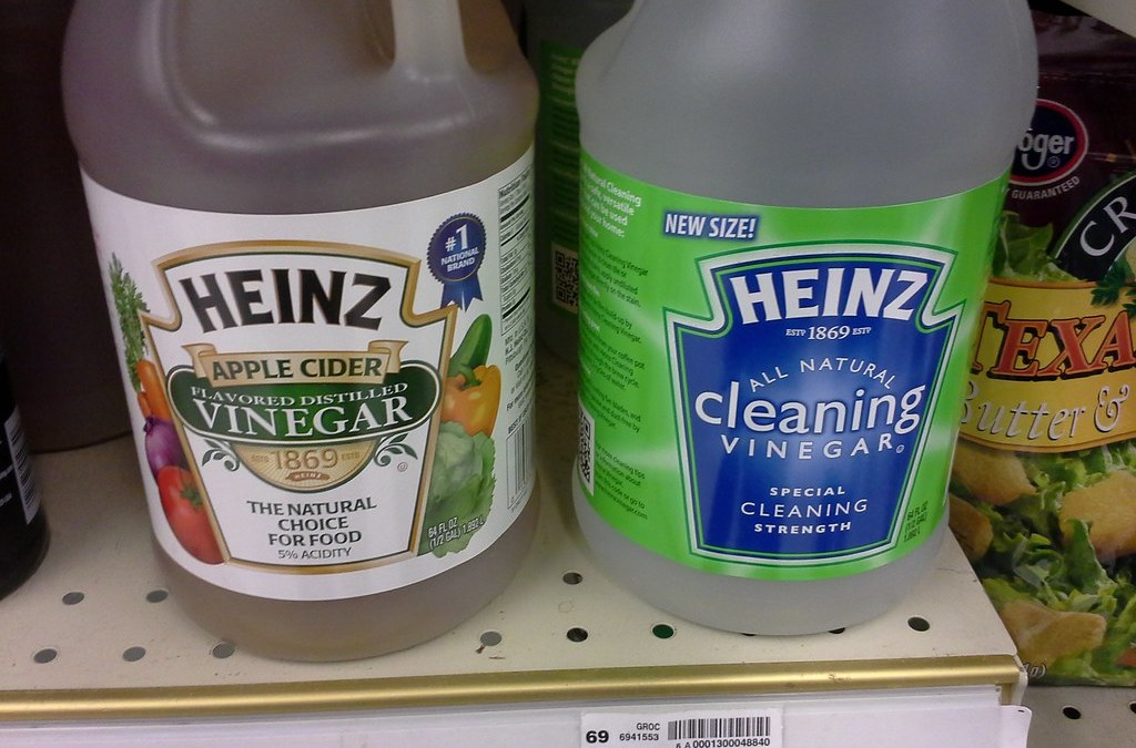 16 New Ideas to Clean With Vinegar