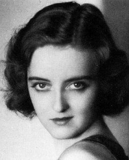 Bette Davis Eyes: 31 Rare Photos of an Unforgettable Star | Best ...