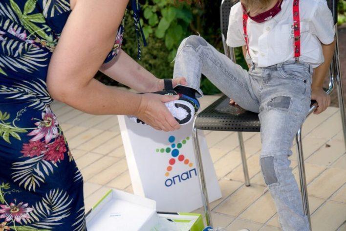 Ο ΟΠΑΠ προσφέρει παπούτσια και χαμόγελα σε παιδιά!