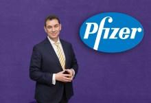 Έλληνα CEO της Pfizer, Άλμπερτ Μπουρλά.