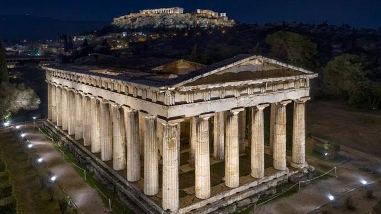 Eντυπωσιακός ο νέος φωτισμός στο ναό του Ηφαίστου και στο μνημείο του Φιλοπάππου (video)