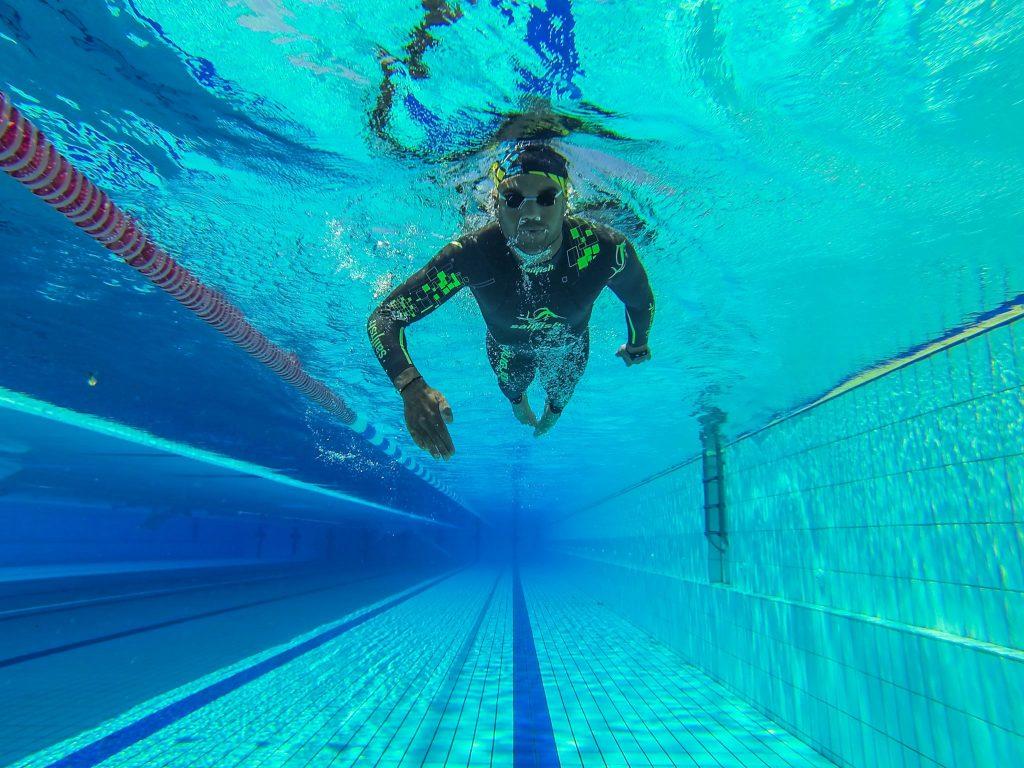 Χρυσικόπουλος: Θέλει Γκίνες κολυμπώντας 250 χλμ. για μία εβδομάδα