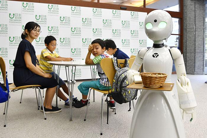 ρομπότ σερβιτόροι