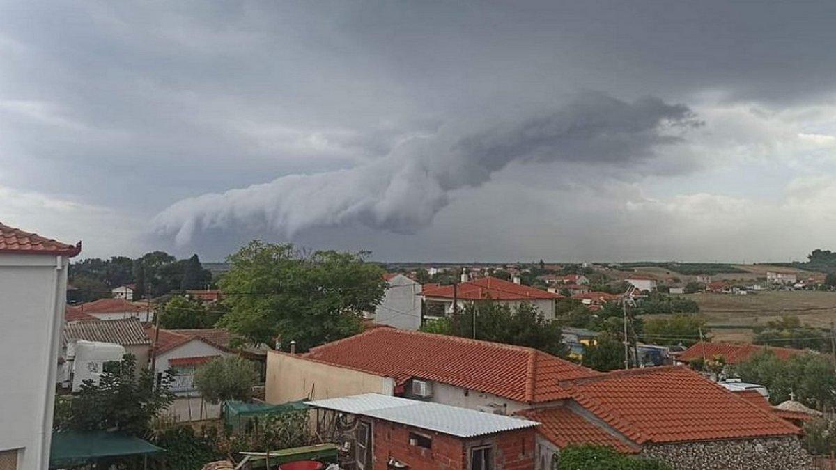 shelf cloud Χαλκιδική