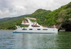 Luxury Yacht _ Snorkel