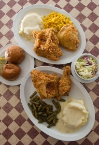 The speciality of the Hen House: fried chicken, mashed potatoes and a side of veggies. Photo by Mike Sweeney