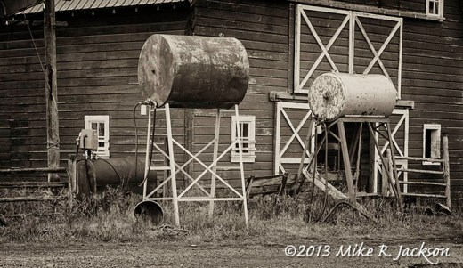 Gas Tanks BW Oct13