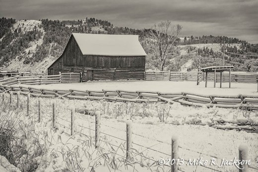 Hansen Barn Snow Oct29