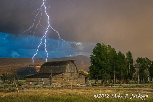 Lightning Barn1_July27