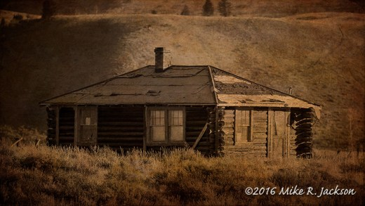 Kelly Weathered Cabin