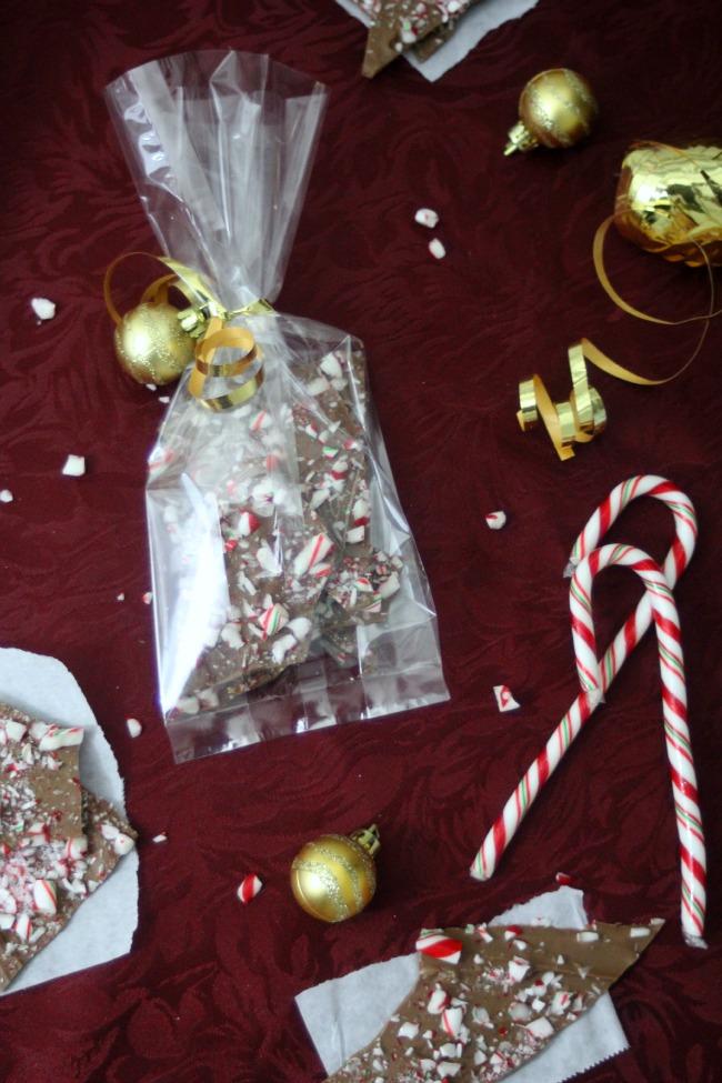 Chocolate Peppermint Holiday Bark