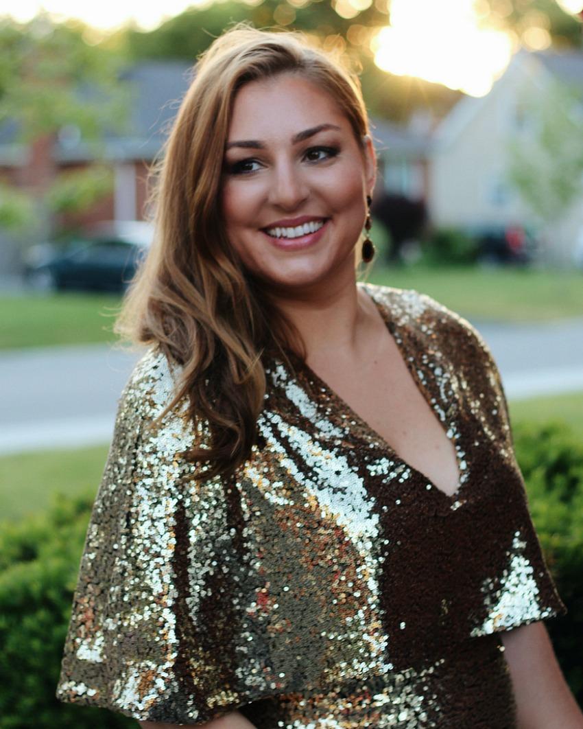 Summer Makeup for Golden Dark Blonde Hair - Gold Sequin Dress bestofthislife.com