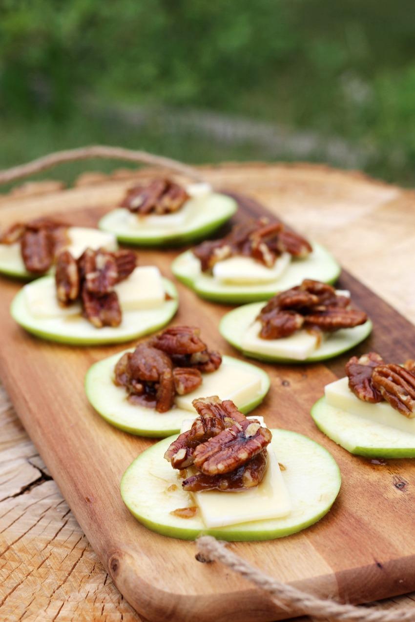 Apple Slices with Arla Havarti Creamy & Roasted Caramel Pecan Topping bestofthislife.com