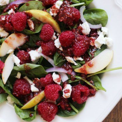 Raspberry Pear Spinach Salad #Foodiemamas