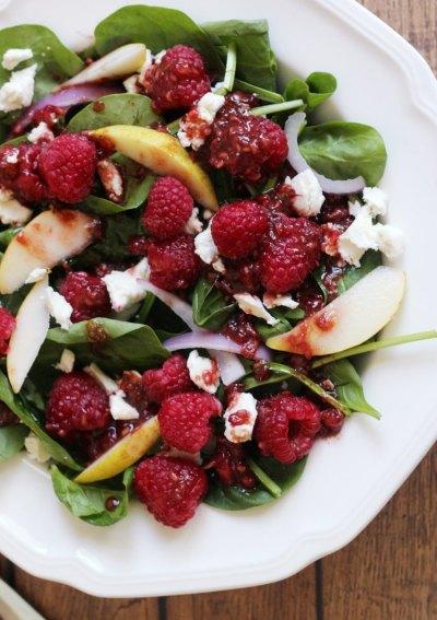 Raspberry Pear Spinach Salad #Foodiemamas