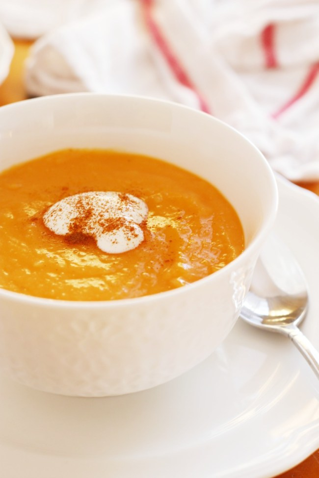 Healthy & Simple Sweet Potato Ginger Soup