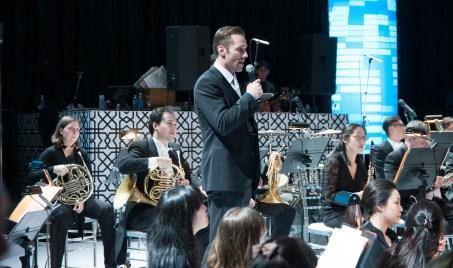 Paul Etherington and Orchestra Photo: Jason Kwan