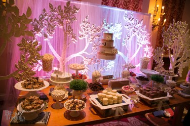 Desserts display by Sweet Table