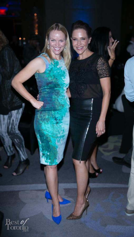 Lauren Bowles, Julie Benz