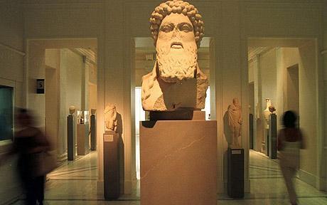 https://i2.wp.com/www.bestourism.com/img/items/big/896/Benaki-Museum_Gallery-view_3441.jpg