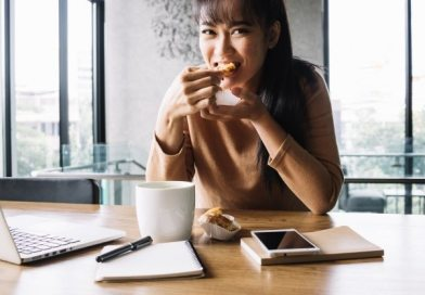 Foolproof Tips and Ideas for Eating Well at Work