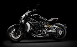 ducati-xdiavel-recebe-red-dot-award-2016-best-of-the-best_1