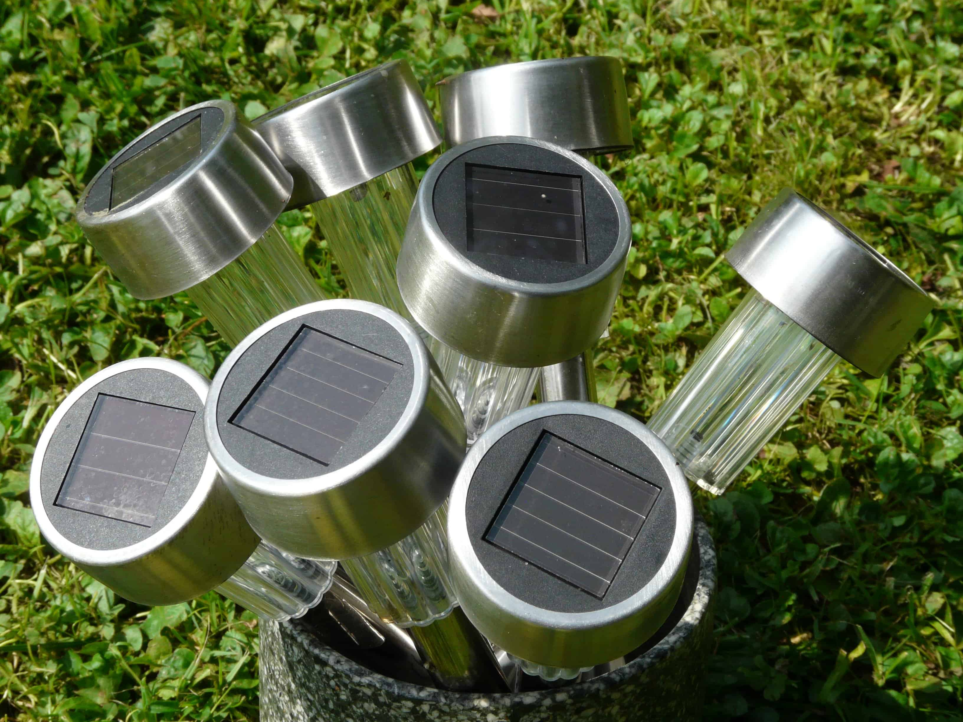 Perfect How To Charge Solar Lights Without Sun? Amazing Ideas