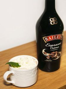 Baileys Espresso Peppermint Hot Cocoa