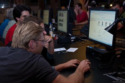 オンラインカジノに熱中する人達