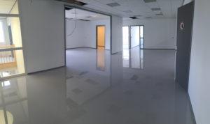 Marmoleum Vloer Reinigen : Industrievloer leiden u epoxy gietvloer over marmoleum