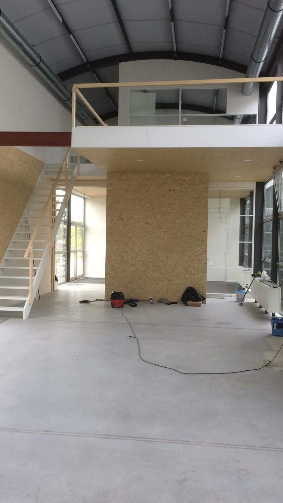 Vervuilde betonvloer
