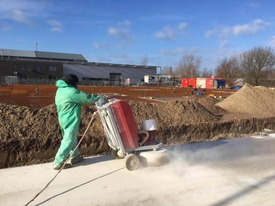 verregende betonvloer herstellen