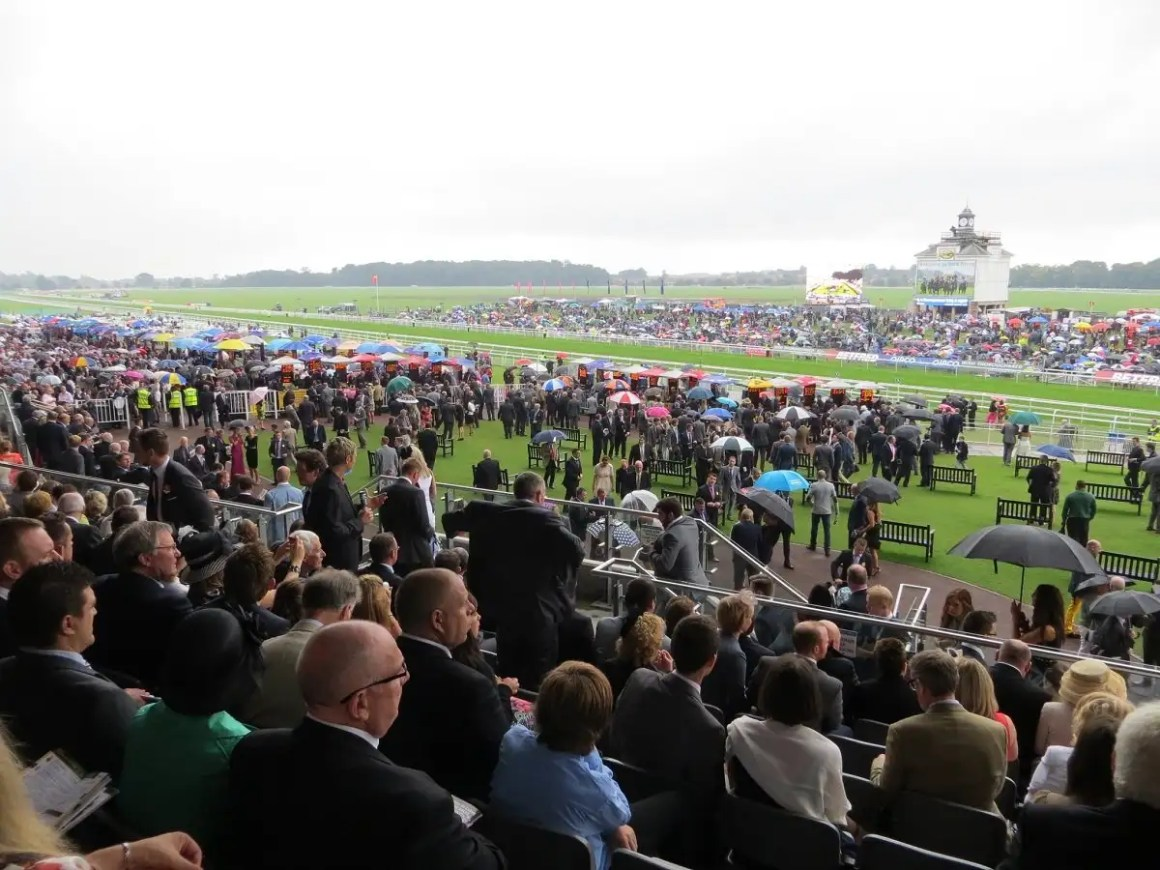 York racecourse Ebor meeting crowds